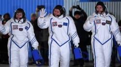 Les trois astronautes sont arrivés à bord de
