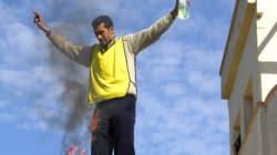 Algérie: un homme proteste en
