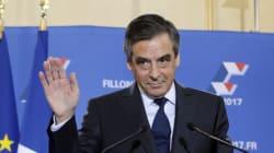 En France, François Fillon s'enlise jour après