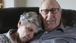Le battaglia del marito per la moglie con l'Alzheimer è la storia d'amore più