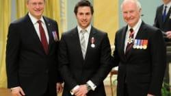 60 Canadiens reçoivent la médaille du