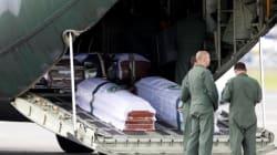 Brésil: arrivée des avions ramenant les corps des footballeurs tués dans un