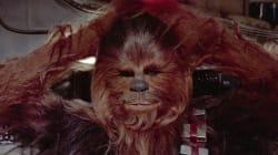 Dans cette scène coupée de Star Wars VII, Chewbacca révèle son côté