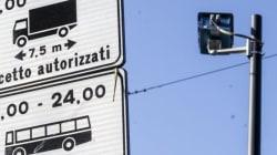 Roma alza le difese contro il terrrorismo. L'ordinanza del Campidoglio: stop ai tir in