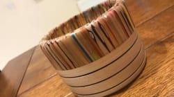 La manière dont il recycle des crayons de couleur est