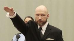 De retour en cour, Anders Breivik fait un salut