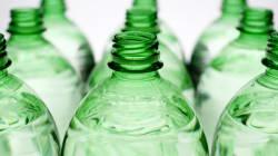 Uno dei paesi che inquina di più al mondo ha deciso di eliminare plastica