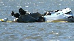 Australie: un avion plonge dans une rivière devant des milliers de