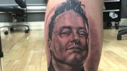 Un fan de Mike Ward... se fait tatouer son