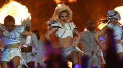 Le ventre de Lady Gaga fait l'objet de critiques lors du Super Bowl: