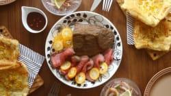 夫婦でバレンタインの食卓!ふたりごはんでチョコレートソースと金柑のローストビーフ!
