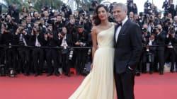 Amal Clooney attend des