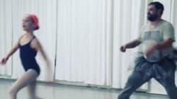 La emotiva iniciativa de este centro de danza: padres e hijas bailando