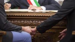 Adozione riconosciuta a una coppia di uomini dal tribunale di Firenze: è la prima volta in