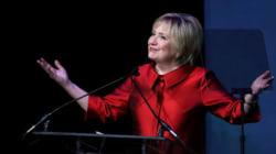 ヒラリー・クリントンがショートカットに!国際女性デーに髪を切ったよ