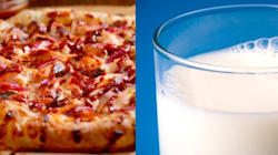 ピザを牛乳に浸して食べる......その組み合わせって......(画像)