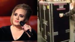 Adele si nasconde in un box per raggiungere il centro del palco. E il motivo è