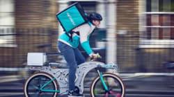 La bicicletta 'riciclata' costruita con utensili da cucina è tutto quello di cui avete