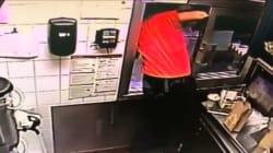 急病の女性ドライバーを救うため、ドライブスルーの窓から飛び出したマクドナルド店員(動画)