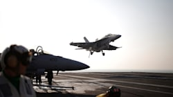 Feds Take Next Step In Buying Super Hornet Fighter