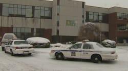 Opération policière à l'école secondaire Mortagne : trois personnes