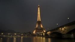 La Tour Eiffel éteinte dès minuit en hommage aux victimes de