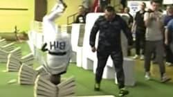 111個のコンクリートブロックを頭で砕く ボスニアの少年がわずか35秒で達成(動画)