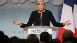 Des centaines de manifestants s'opposent à la venue de Marine Le Pen à