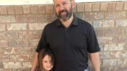 Sa fille a eu un «petit accident» à l'école, il va la chercher avec le pantalon mouillé lui