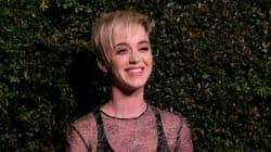 Katy Perry chante en français et se fait