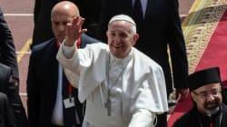 Le pape célèbre une messe en