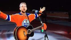 18,000 Edmonton Oilers Fans Step Up To Sing U.S. Anthem.