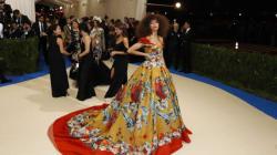 Met Gala 2017: Zendaya affiche de magnifiques cheveux naturels sur le tapis
