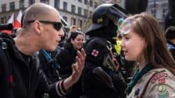 La photo de cette scout qui tient tête à un néo-nazi est devenue
