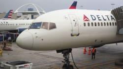 デルタ航空、席譲るの拒んだ乗客に「あなたは収監される」
