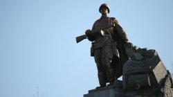 Une fosse commune contenant 21 soldats soviétiques est trouvée en