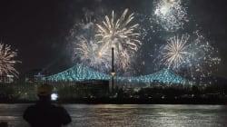 Le pont Jacques-Cartier tout en
