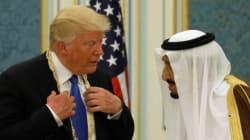 Accueil royal et méga-contrat d'armements pour Trump en