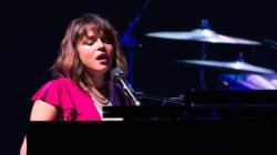 Revivez en images le concert de Norah Jones à la Place des