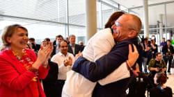 ドイツ、同性婚を合法化。レズビアンカップルとの出会いがメルケル首相を変えた