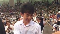 藤井聡太四段が笑顔で大相撲観戦、会場は一時騒然 NHKアナ「相撲を見ているお客さんがいない」