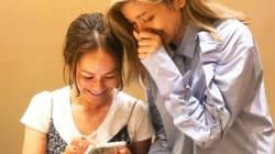宮里藍&ローラ、LINE交換の写真にほっこり。意外な顔ぶれに驚きの声