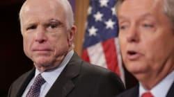オバマケア廃止案が否決、ジョン・マケイン議員らが反対に回る 共和党が抱える問題の根幹とは?