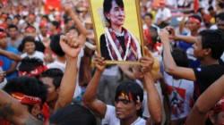 La Birmanie se prépare à l'entrée d'Aung San Suu Kyi au