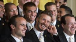 JO: Beckham porte la torche et Will Smith fait le pitre