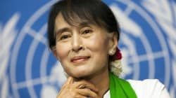 Suu Kyi, ovacionada a su llegada a