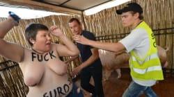 Femen seins nus contre les «porcs» de l'Euro