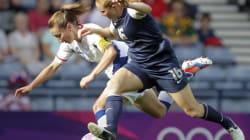 Le football féminin donne le coup d'envoi des