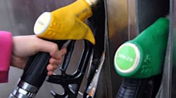 Le prix de l'essence devrait baisser au Canada, mais demeurer