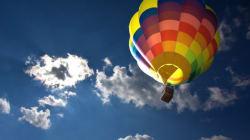 Quatre personnes voyageant en montgolfière ont été